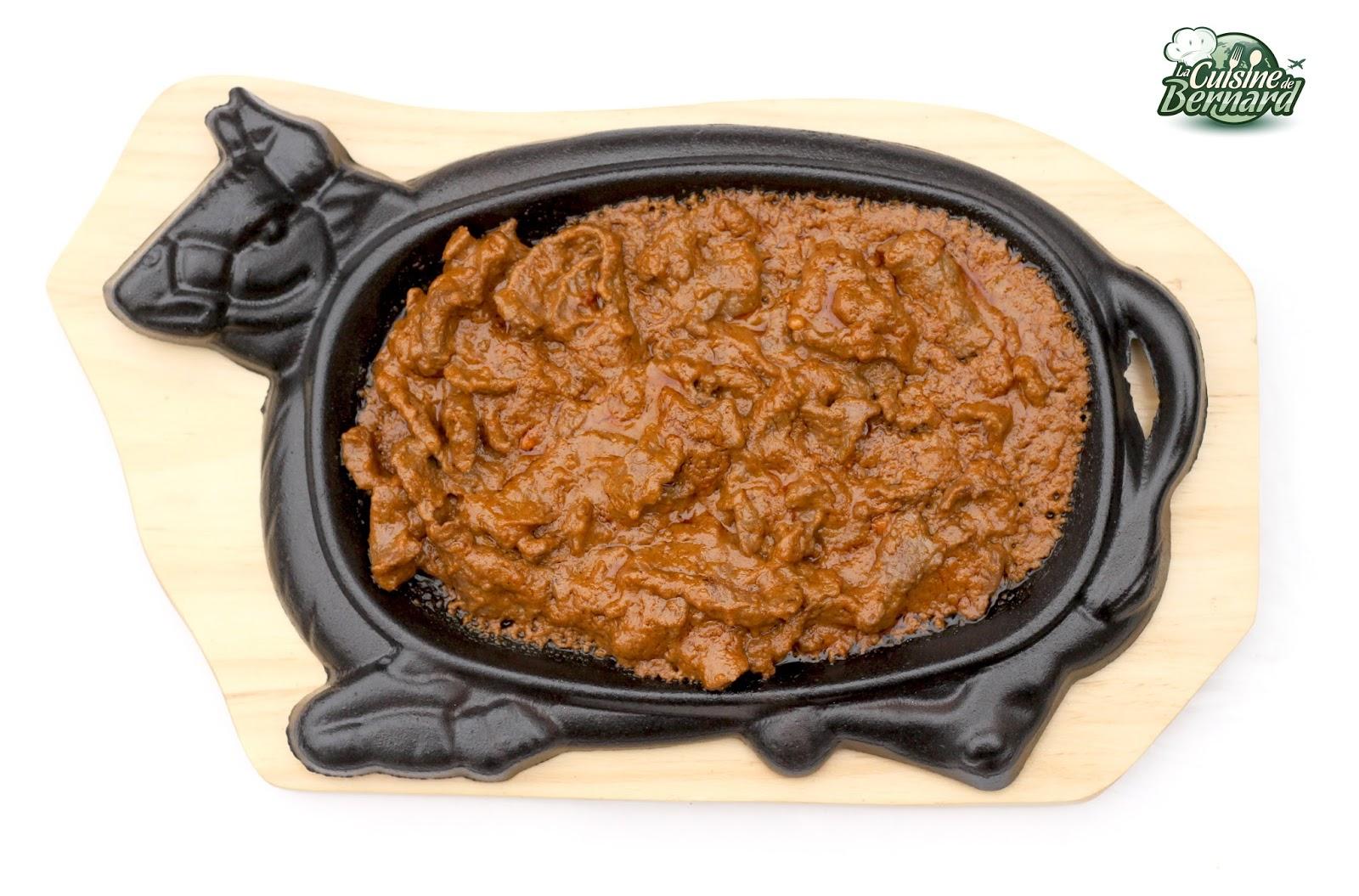 bœuf fretillant a la poudre de sate